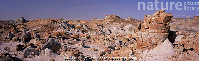 Badlands, New Mexico, USA  ,  1998,AMERICA,BARREN,DESERTS,FORMATIONS,LANDSCAPES,NORTH,PANORAMIC,ROCK,ROCK FORMATIONS,ROCKS,SCENICS,VIEW,Geology,CENTRAL-AMERICA,North America  ,  Jeff Foott