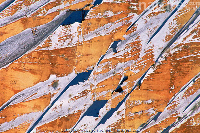 Abstract view of Bryce Canyon National Park in snow in winter, Utah, USA  ,  ABSTRACT,ARTY SHOTS,NORTH AMERICA,PATTERNS,ROCK FORMATIONS,slopes,SNOW,USA,WINTER,Geology  ,  Larry Michael