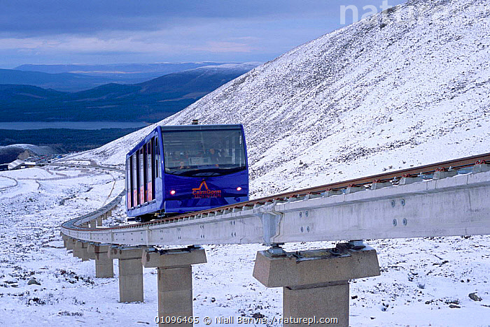 Funicular railway to top of Cairngorms, Inverness-shire, Scotland, UK, BRITISH,CAIRNGORMS,EUROPE,HORIZONTAL,INVERNESS SHIRE,LANDSCAPES,MOUNTAINS,NB,RAILWAY,SNOW,TRAIN,TRANSPORT,UK,UNITED KINGDOM,VEHICLES,SCOTLAND, Niall Benvie