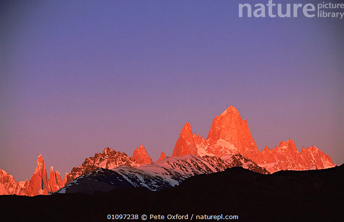 Fitzroy Massif peak at sunset, Andes, Patagonia, Argentina, South America, ANDES,DUSK,EVENING,HIGHLANDS,LANDSCAPES,MOUNTAINS,PEACEFUL,PEAKS,RANGES,ROCK FORMATIONS,ROCKS,SOUTH AMERICA,SUNSET,Concepts,Geology,SOUTH-AMERICA, Pete Oxford