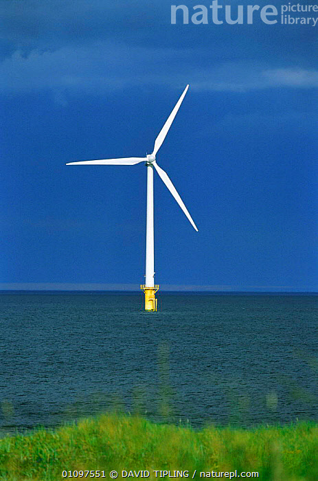 Wind power generator in sea off Blyth, Kent, UK, COAST,VERTICAL,COASTS,MACHINERY,ENERGY,ENGLAND,BRITAIN,EUROPE ,TURBINE,TURBINES,WIND TURBINES,Weather, DAVID TIPLING