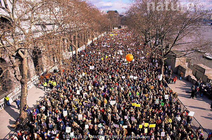 Countryside March, London, UK, 1 March 1998  ,  CITIES,COUNTRYSIDE,ENGLAND,EUROPE,MASS,PEOPLE,PROTESTS,UK,United Kingdom,British  ,  DAVID TIPLING