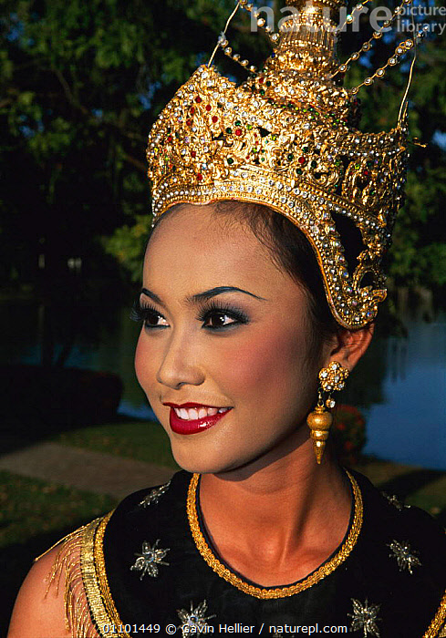 Traditional Thai Dancer portrait, Sukhothai, Bangkok, Thailand, South East Asia  ,  ASIA,ASIAN,BEAUTIFUL,CLOTHING,COSTUME,CULTURES,DANCER,DECORATIONS,EAST,ENTERTAINMENT,FACES,FEMALE,FEMALES,GHE,HAT,HEADRESS,HEADS,PEOPLE,PORTRAIT,PORTRAITS,SOUTH,SOUTH EAST ASIA,THAI,TRADITIONAL,TRAVEL,VERTICAL,WOMAN,SOUTH-EAST-ASIA  ,  Gavin Hellier