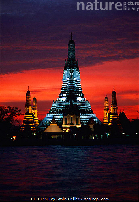 Wat Arun, Temple of Dawn, across the river Chao Phraya, Bangkok, Thailand, South East Africa  ,  ARCHITECTURE,ASIA,BANGKOK,BUDDHISM,BUDDHIST,BUILDINGS,CULTURES,DARK,DAWN,EAST,EVENING,FLOODLIT,GHE,ILLUMINATED,LANDSCAPES,LIGHTS,NIGHT,RELIGION,RELIGIOUS,RIVERS,SKY,SOUTH,SOUTH EAST ASIA,TEMPLE,TEMPLES,VERTICAL,WATER,SOUTH-EAST-ASIA  ,  Gavin Hellier