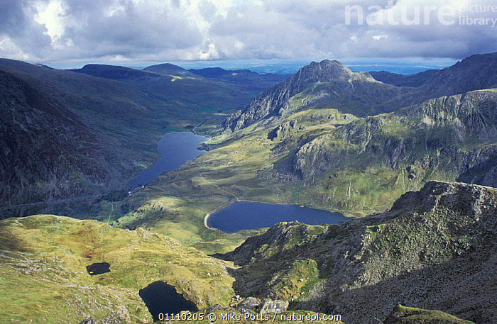Llyn Idwal and Ogwen lakes + Tryfan mountain. Snowdonia NP, Gwynedd, Wales, UK, LANDSCAPES,LANDSCAPE,VALLEY,EUROPE,MOUNTAIN,RESERVE,SCENIC,MOUNTAINS,SCENICS,WALES,United Kingdom, Mike Potts