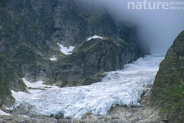 Glacier in mist, Les Grandes Jorasses, Alps, Italy  ,  ALPS,GEOLOGY,GLACIERS,HORIZONTAL,ICE,LANDSCAPES,PCL,Europe  ,  Philippe Clement