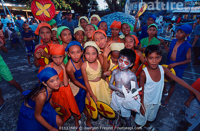 Children in costume during Donsol whale shark festival, Donsol, Philippines.  ,  ASIA, ASIAN, CELEBRATION, CELEBRATING, TRADITIONAL, IDIGENOUS, CULTURE, CULTURAL, VILLAGE, VILLAGES, WHALE SHARK, COSTUMES, FANCY DRESS  ,  Jurgen Freund