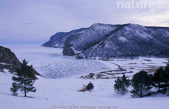 Fishing huts on shores of Lake Baikal in winter, Siberia, Russi  ,  BUILDINGS,FROZEN,HUT,ICE,LAKES,LANDSCAPE,LANDSCAPES,SNOW ,RUSSIA,CIS  ,  Eric Baccega