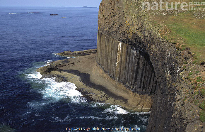 Basalt columns and entrance to boat cave nr Fingal's cave, Staffa Is, Inner Hebrides, Scotland  ,  CAVES,COASTS,EUROPE,ROCK FORMATIONS,SCOTLAND,UK,United Kingdom,Geology,British  ,  Rick Price