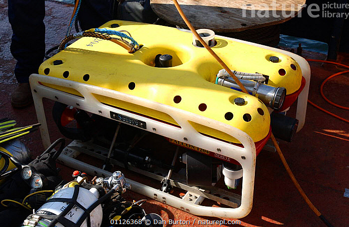 Submersible robot being launched for deepsea research  ,  MACHINERY,ROV,SCIENTIFIC,UNDERWATER,WATER,PURSUITS  ,  Dan Burton