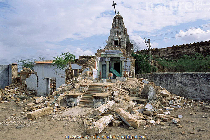 Hindu temple damaged by 2001 Bhuj earthquake, Tera, Kutch, Gujarat, India  ,  ASIA,BUILDINGS,DAMAGE,EARTHQUAKES,LANDSCAPES,INDIA,INDIAN-SUBCONTINENT  ,  Toby Sinclair