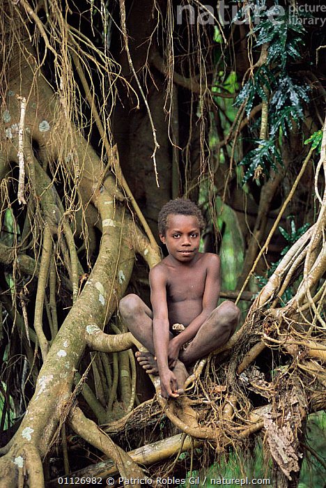 Boy from the Yakel tribe, Tanna, Vauatu Is, South Pacific, 2003  ,  VERTICAL,TRIBES,LANDSCAPES,OCEANIA,PEOPLE,CHILDREN,MELANESIA  ,  Patricio Robles Gil