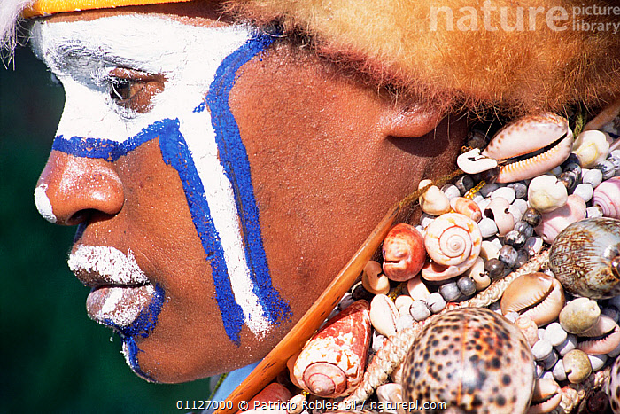Tribal face paint and shell necklace of the Jikamukmana people, Papua New Guinea, 2001  ,  TRIBES,SHELLS,LANDSCAPES,PAPUA NEW GUINEA,PORTRAITS,PROFILE,WEST-AFRICA  ,  Patricio Robles Gil