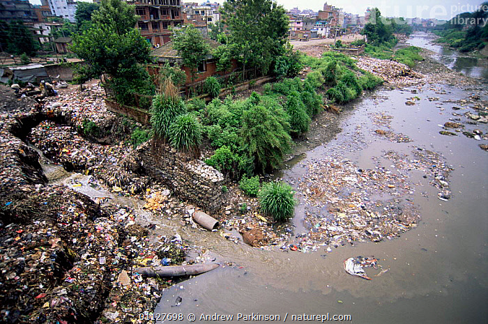 City's rubbish discarded into Vishnumati river, Kathmandhu, Nepal, ASIA,CITY,CITIES,RIVERS,WASTE,LANDSCAPES,REFUSE,POLLUTION,INDIAN-SUBCONTINENT, Andrew Parkinson
