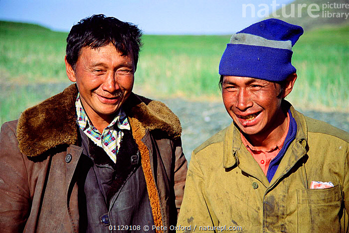 Yupik eskimos, Yttygran island, Whale bone alley, off Chukotka, E Siberia, Russia  ,  PEOPLE,COASTS,ASIA,ARCTIC,MEN,UMIAK,MONGOLOID,PORTRAITS,TRADITIONAL,LANDSCAPES,TRIBES,CIS  ,  Pete Oxford