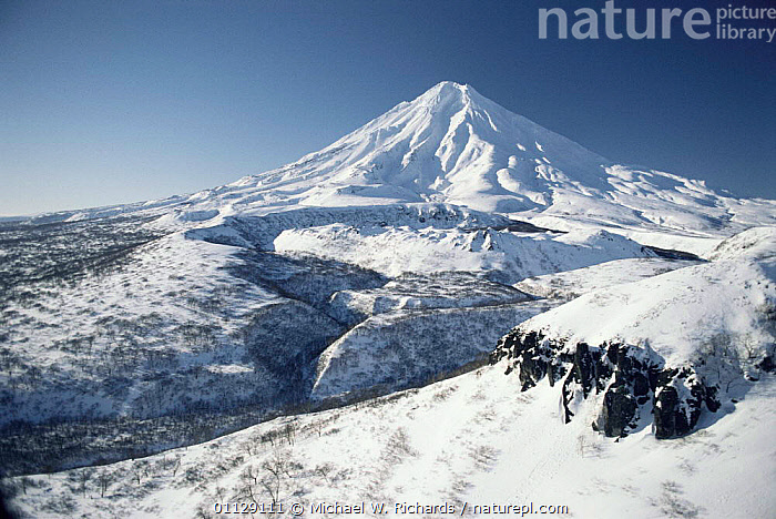 Kamchatka volcano in snow, Siberia, Russia, VOLCANOS,LANDSCAPES,PENINSULA,ASIA,CIS, Michael W. Richards