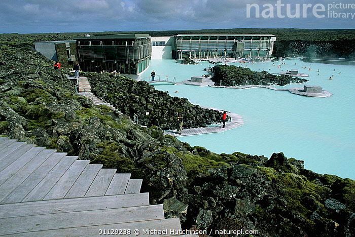People bathing in the Blue lagoon, Iceland, SWIMMING,TOURISM,LANDSCAPES,LAKES,BUILDNGS,GEOTHERMAL,Geology,Europe, Michael Hutchinson