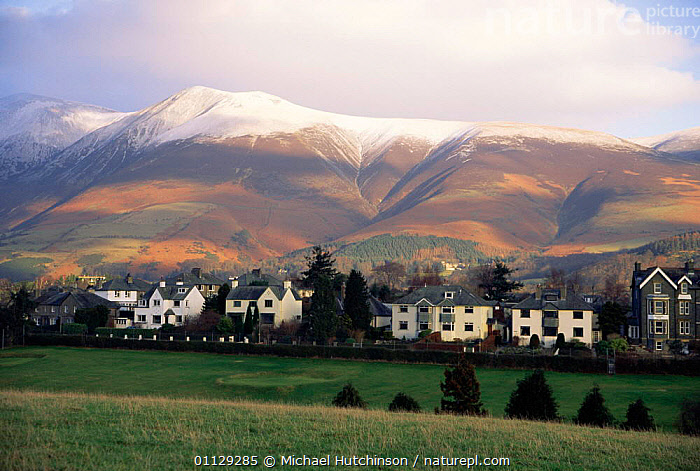 Snow capped Skiddaw above Keswick, Lake District National Park, Cumbria, UK., BUILDINGS,EUROPE,MOUNTAINS,TOWNS,NP,SIZE,VILLAGES,LARGE,LANDSCAPES,UK,United Kingdom,British,National Park,ENGLAND, Michael Hutchinson