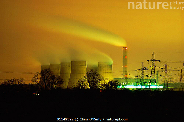 Emissions from cooling towers of Coal fired power station, Nottinghamshire, UK  ,  ATMOSPHERIC,BUILDINGS,DUSK,EMISSIONS,ENERGY,ENVIRONMENTAL,EUROPE,EVENING,GLOBAL WARMING,LANDSCAPES,POLLUTANTS,POLLUTION,SMOKE,SMOKING,SUNSET,UK,United Kingdom,British  ,  Chris O'Reilly
