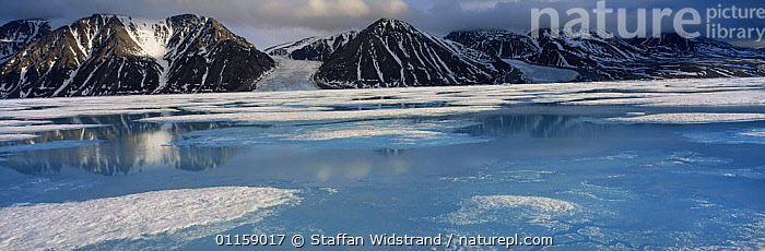 High arctic landscape in spring, -40 degrees C, Bylot Is, Baffin Is, North West Territories, Canada, 1995  ,  COASTS,GLACIERS,ICE,LANDSCAPES,NORTH AMERICA,NORTH AMERICA,PANORAMIC,SNOW,Geology,Catalogue1  ,  Staffan Widstrand