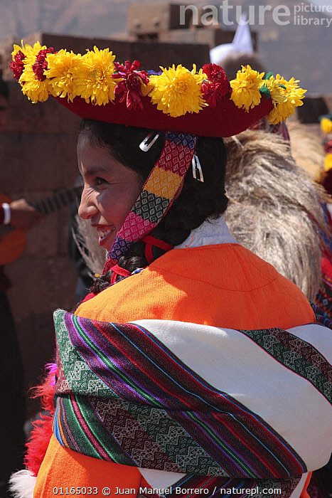 Indian woman wearing traditional clothing and headress, Pisac, Sacred Valley, Peru 2006., ANDES,CULTURES,PEOPLE,PERU,PORTRAITS,SOUTH AMERICA,VERTICAL,SOUTH-AMERICA, Juan Manuel Borrero