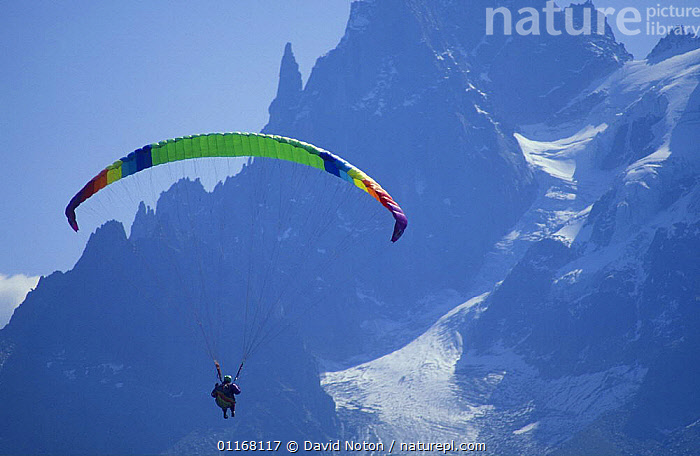 Paragliding over Chamonix, Savoie, France  ,  ACTION,EUROPE,EXTREME,FREEDOM,ICE,LANDSCAPES,MOUNTAINS,PARAGLIDER,PEAKS,PEOPLE,SNOW,SPORT  ,  David Noton