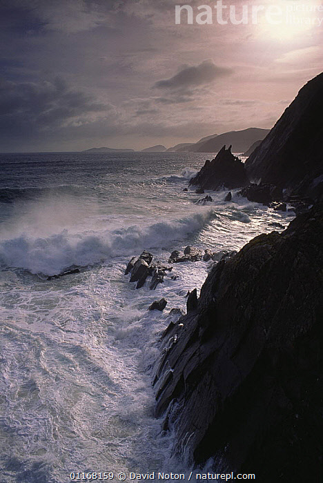 Stormy weather on the Dingle Peninsula, County Kerry, Ireland  ,  CLIFFS,CLOUDS,COASTS,DRAMATIC,EUROPE,LANDSCAPES,ROCKS,SPRAY,STORMS,VERTICAL,WATER,WAVES,Weather,Geology,EIRE,CONCEPTS  ,  David Noton