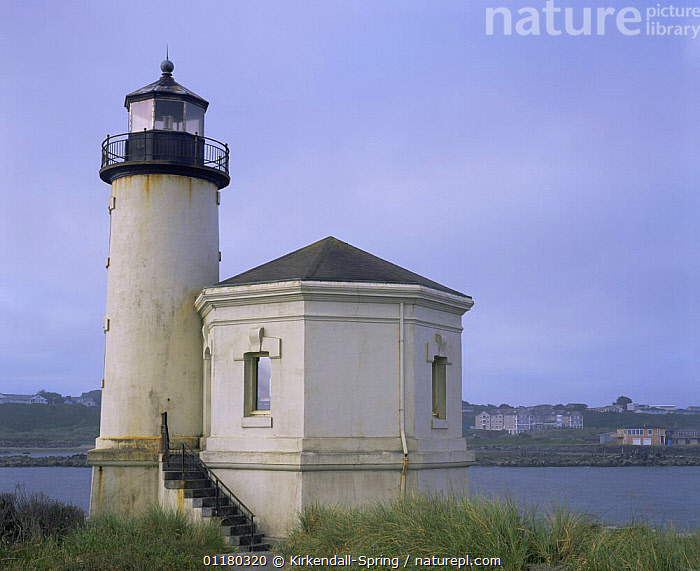 Coquille River Lighthouse at Bullards Beach NP, Bandon, Oregon, USA, BUILDINGS,COASTS,GRASSES,LANDSCAPES,LIGHTHOUSES,NORTH AMERICA,NORTH AMERICA,OREGON,RESERVE,USA,WATER, Kirkendall-Spring