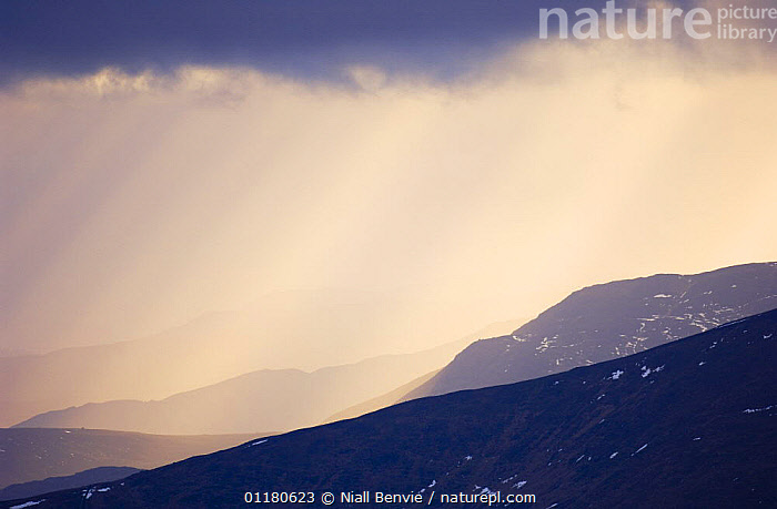 Grampian mountains, February, Glenshee, Scotland, UK, ATMOSPHERIC,CLOUDS,EUROPE,LANDSCAPES,MOUNTAINS,SNOW,UK,WINTER,United Kingdom,Weather,British,SCOTLAND, Niall Benvie