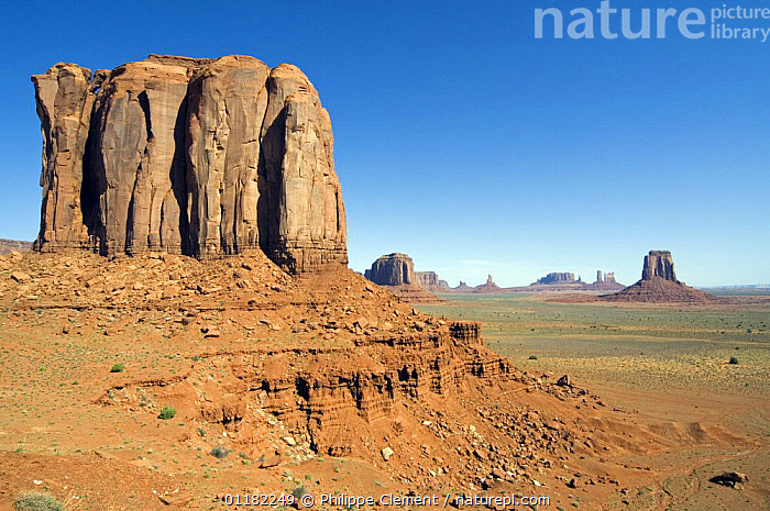 Eroded sandstone cliff in the Monument Valley Navajo Tribal Park, Arizona, USA May 2007  ,  CLIFFS,EROSION,GEOLOGY,LANDSCAPES,NORTH AMERICA,NORTH AMERICA,RESERVE,ROCK FORMATIONS,ROCKS,SANDSTONE,USA  ,  Philippe Clement
