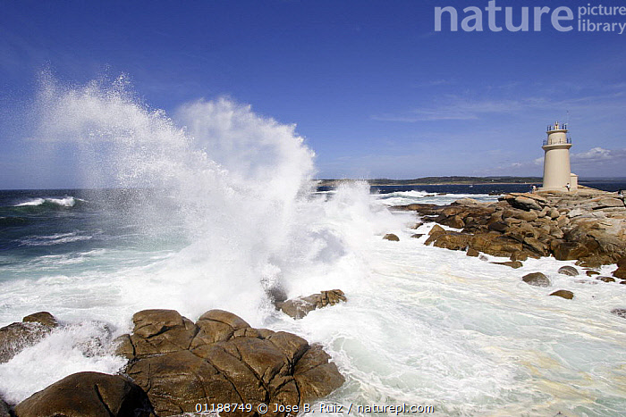 Waves breaking over the rocks at Rompiente Lighthouse, near Muxia on the Costa da Morte, Galicia, Spain  ,  COASTS,DRAMATIC,EUROPE,LANDSCAPES,LIGHTHOUSES,OCEAN,ROCKS,SPAIN,WAVES,CONCEPTS,BUILDINGS  ,  Jose B. Ruiz