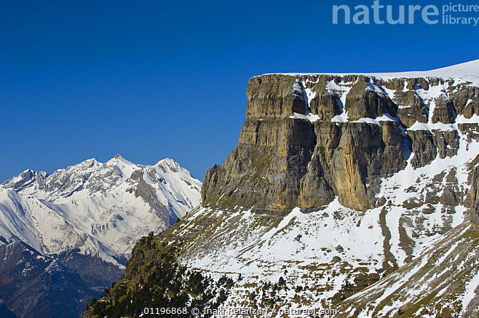 Arazas river and Ordesa Valley from Cuello Gordo view point, Ordesa and Monte Perdido National Park, Aragon, Pyrenees, North Spain.  ,  EUROPE,LANDSCAPES,MOUNTAINS,NP,RESERVE,ROCK FORMATIONS,SNOW,SPAIN,WINTER,Geology,National Park,,UNESCO World Heritage Site,  ,  Inaki Relanzon