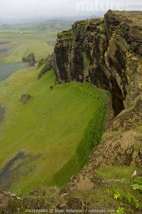 Volcanic landscape at Dyrh�laey near Vik, south Iceland  ,  CLIFFS,EUROPE,GEOLOGY,LANDSCAPES,SIZE,VERTICAL  ,  Inaki Relanzon