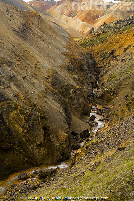 River flowing though gorge in Landmannalaugar highlands, central Iceland  ,  EROSION,EUROPE,GEOLOGY,LANDSCAPES,RIVERS,ROCKS,VERTICAL  ,  Inaki Relanzon