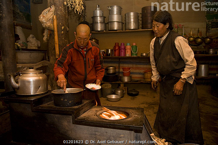 People preparing a sacrificial fire in Dargye, Sichuan, Tibet, Kham, China, ASIA,CEREMONIAL ,CEREMONY,CULTURES,INDOORS,KITCHEN,KITCHENS,PEOPLE,TRADITIONAL,WORSHIP,CHINA, Dr. Axel Gebauer