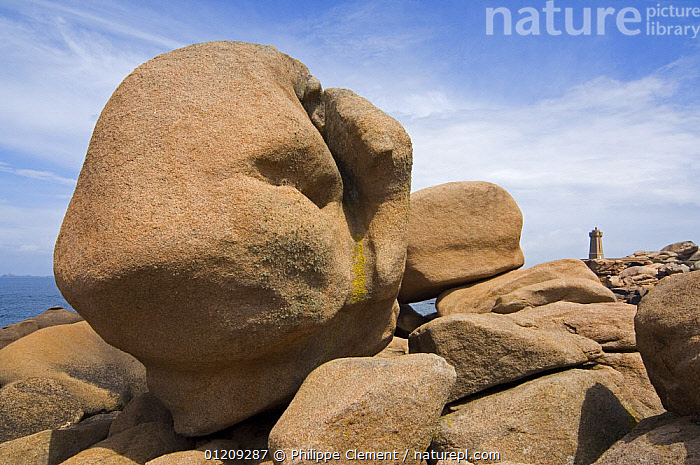 The famous pink granite and the lighthouse at Ploumanac'h, Brittany, France. May 2008,  ,  BUILDINGS,COASTS,EUROPE,FRANCE,GEOLOGY,LANDSCAPES,LARGE,LIGHTHOUSES,ROCK FORMATIONS,STONES  ,  Philippe Clement
