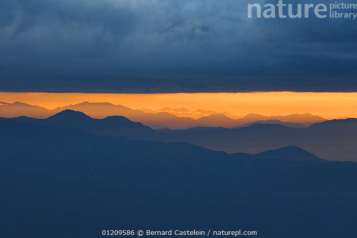 Mountains to the east, seen at sunrise from Tiger hill viewpoint, Darjeeling, West Bengal, India  ,  ASIA,DAWN,DRAMATIC,HIMALAYAS,INDIA,LANDSCAPES,MOUNTAINS,SUNRISE,INDIAN-SUBCONTINENT  ,  Bernard Castelein