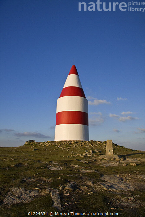 The Daymark, erected in 1683. St.Martin's, Isles of Scilly December 2008.  ,  COASTS,CORNWALL,DAYMARKS ,ENGLAND,EUROPE,LANDSCAPES,MARKERS,MOORLAND,SAINT MARTINS,STRIPES,TRIANGULATION POINT,TRIG POINT ,UK,WINTER,NAVIGATION, United Kingdom, United Kingdom, United Kingdom  ,  Merryn Thomas