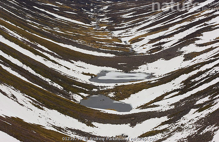 Landscape showing a glacial valley in the Cairngorms National Park, Cairngorm Mountains, Scotland, UK, February  ,  EROSION,EUROPE,GEOLOGY,GLACIERS,ICE,LANDSCAPES,NP,RESERVE,SNOW,UK,National Park, United Kingdom  ,  Andrew Parkinson