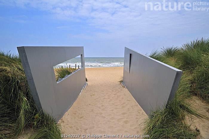 Work of art / Memorial on D-landing beach, Juno Beach, Courseulles-sur-Mer, Normandy, France, September 2008.  ,  ART,BEACHES,COASTS,ENGLISH CHANNEL,EUROPE,FRANCE,HISTORICAL,NORTH SEA,PEOPLE,SCULPTURE  ,  Philippe Clement