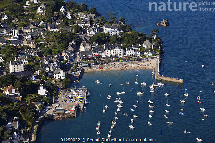 Port and beach of Locquirec (Finist�re), Brittany, August 2009.  ,  AERIALS,ANCHORED,BEACHES,BOATS,Brittany,COASTS,EUROPE,finistere,FRANCE,HARBOURS,LANDSCAPES,TOWNS  ,  Benoit Stichelbaut
