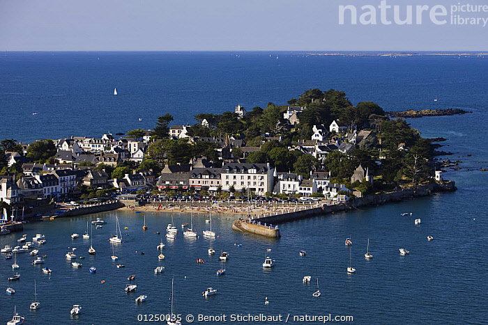 Port and harbour beach of Locquirec (Finist�re), Brittany, August 2009.  ,  AERIALS,ANCHORED,Brittany,COASTS,EUROPE,finistere,FRANCE,HARBOURS,LANDSCAPES,MOORED,SAILING BOATS,TOWNS,YACHTS,BOATS  ,  Benoit Stichelbaut