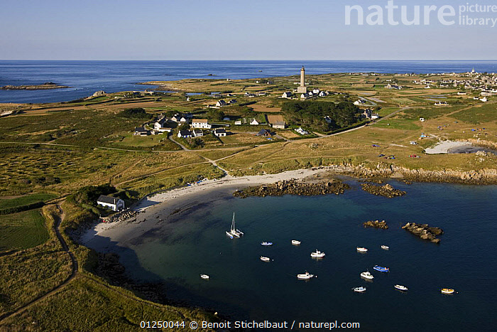 Ile de Batz beach and lighthouse, Finistere, Brittany. August 2009.  ,  AERIALS,ANCHORAGES,ANCHORED,BEACHES,BOATS,BRITTANY,COASTS,EUROPE,FINIST�RE,FRANCE,ISLANDS,LANDSCAPES,MOORED  ,  Benoit Stichelbaut