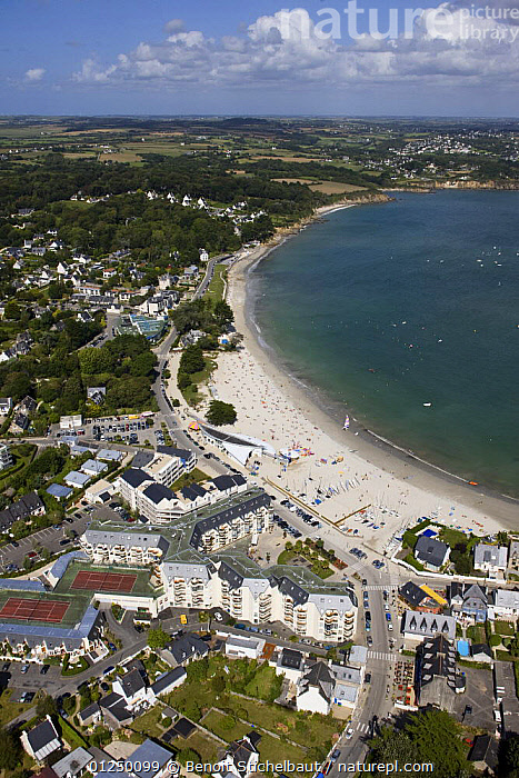 Trez-Hir beach, Plougonvelin, Finistere, France. August 2009.  ,  AERIALS,BEACHES,Brittany,COASTS,CROWDED,EUROPE,Finist�re,FRANCE,LANDSCAPES,TOWNS,VERTICAL  ,  Benoit Stichelbaut