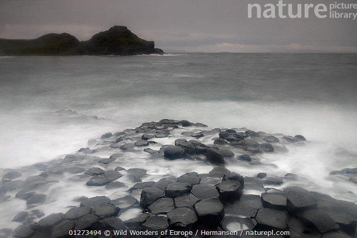 Coastal basalt landscape, Giant's Causeway, Unesco Heritage Site, Northern Ireland, June 2009  ,  COASTS,EIRE,EUROPE,GEOLOGY,LANDSCAPES,P�L HERMANSEN,PATTERNS,ROCK FORMATIONS,ROCKS,TIME EXPOSURE,UK,ULSTER,WATER,WAVES,WWE, United Kingdom,,Giant's causeway and causeway coast, UNESCO World Heritage Site,  ,  Wild Wonders of Europe / Hermansen