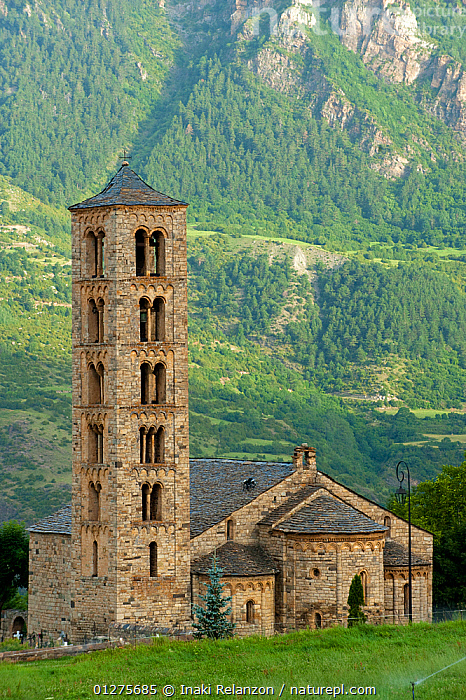 Sant Climent de Taull Church, romanesque church from XII century, and UNESCO world heritage, in the Bo� Valley, Pyrenees, Lleida, Catalonia, Spain. July 2009  ,  BUILDINGS,CHURCHES,EUROPE,LANDSCAPES,MOUNTAINS,SPAIN,VERTICAL  ,  Inaki Relanzon