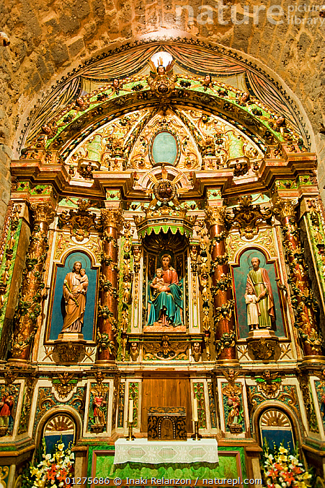 Baroque altar piece in Nativity of Durro Church, romanesque church from XII century, and UNESCO world heritage, in the Bo� Valley, Pyrenees, Lleida, Catalonia, Spain.July 2009  ,  CHURCHES,COLOURFUL,EUROPE,INDOORS,LOW ANGLE SHOT,RELIGIONS,SPAIN,VERTICAL  ,  Inaki Relanzon