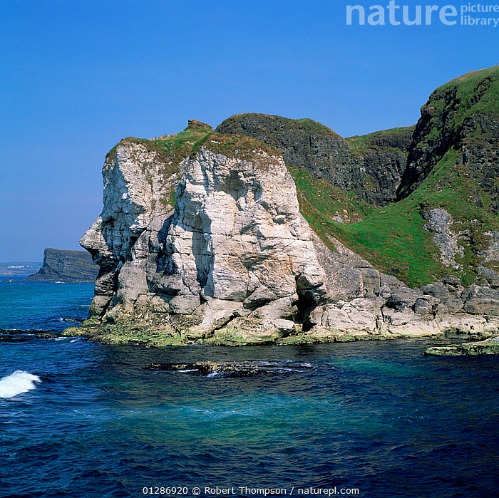 Giant's head white rocks, west of Ballycastle, north coast of County Antrim, Norhtern Ireland, UK, July 2000  ,  CLIFFS,COASTS,EUROPE,LANDSCAPES,NORTHERN IRELAND,UK,ULSTER,Geology,United Kingdom  ,  Robert Thompson
