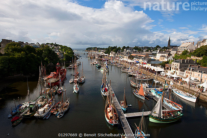 Boat festival at Port Rhu, Douarnenez, Brittany, France, July 2010.  ,  BOATS,BUILDINGS,CLASSICS,COASTS,EUROPE,FESTIVALS,FRANCE,HARBOURS,MOORED,SAILING BOATS,TOWNS,YACHTS  ,  Benoit Stichelbaut