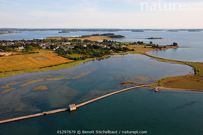 Tide mill on the Island of Arz in the Gulf of Morbihan. Brittany, France, 2010.  ,  AERIALS,BUILDINGS,COASTS,ENERGY,EUROPE,FRANCE,HISTORICAL,LANDSCAPES,RENEWABLE,TIDE MILL,TIDES  ,  Benoit Stichelbaut